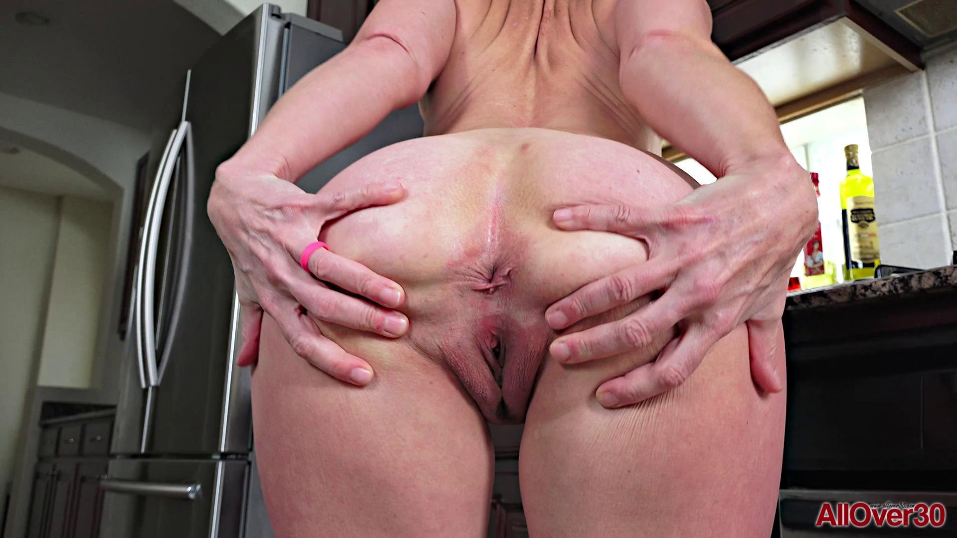 Carissa Dumonde Mature Pleasure