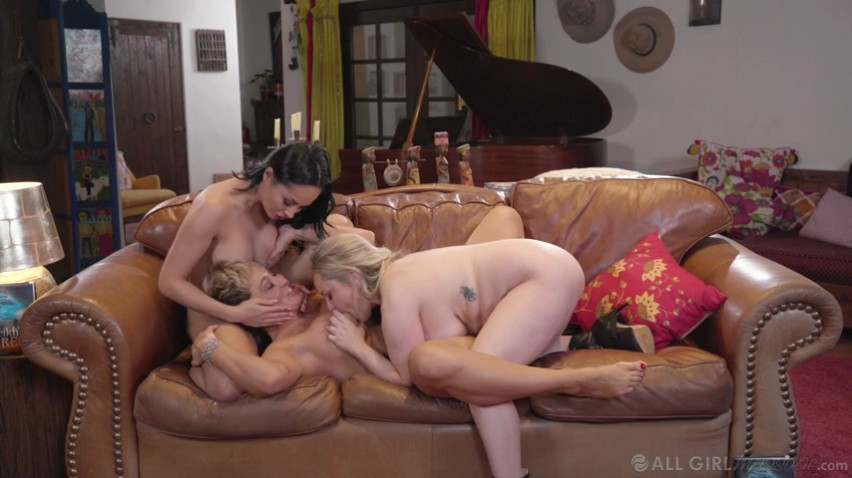 AllGirlMassage – Ryan Keely Aiden Starr, Crystal Rush – MILF Book Club