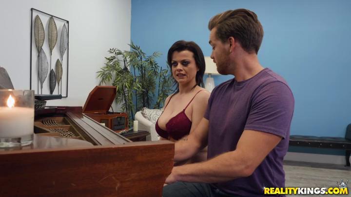 Nadia White The Piano Teacher