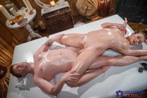 [MassageRooms] Stacy Cruz – Czech Teen Rides Oil Soaked Dick