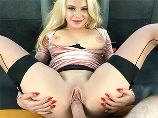FakeTaxi – Elizabeth Romanova – Marry me? No, just fuck me
